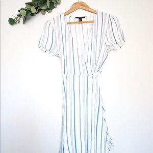FOREVER 21 WHITE AND BLUE STRIPED WRAP DRESS